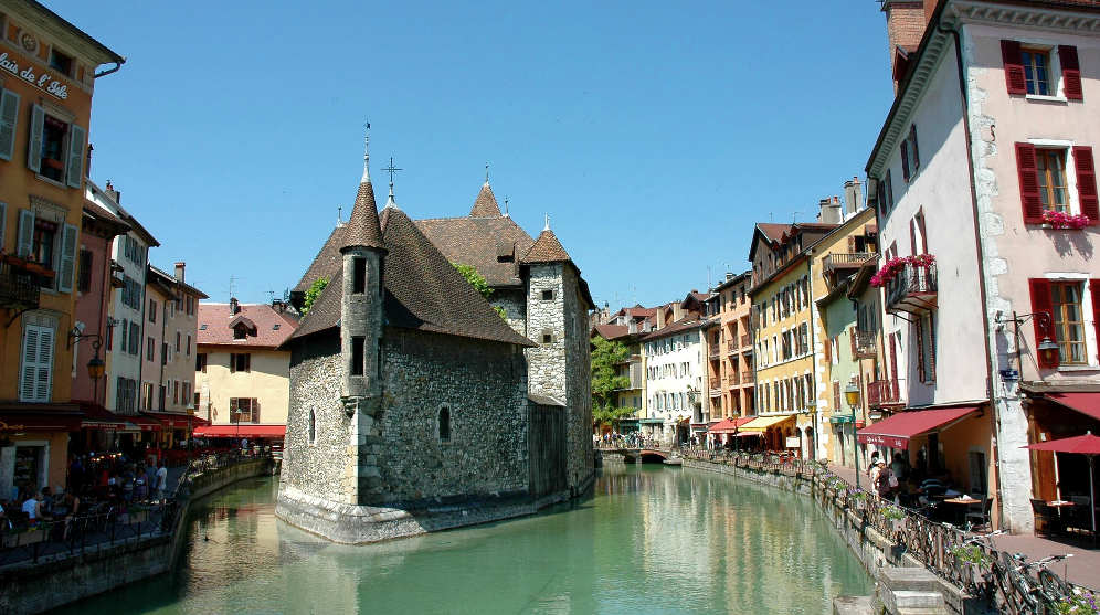 Annecy city guide essential visitor information in English