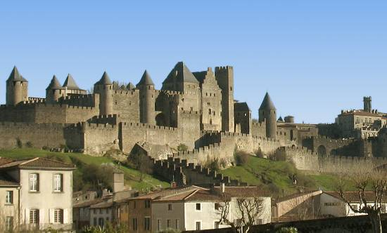 walled cities and towns in france