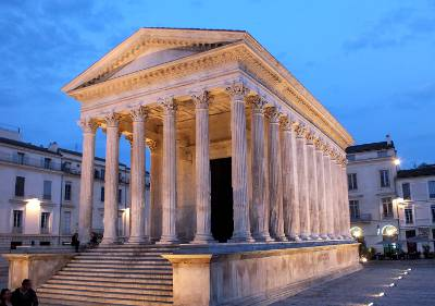 The south of france an essential travel guide - Maison carree nimes ...