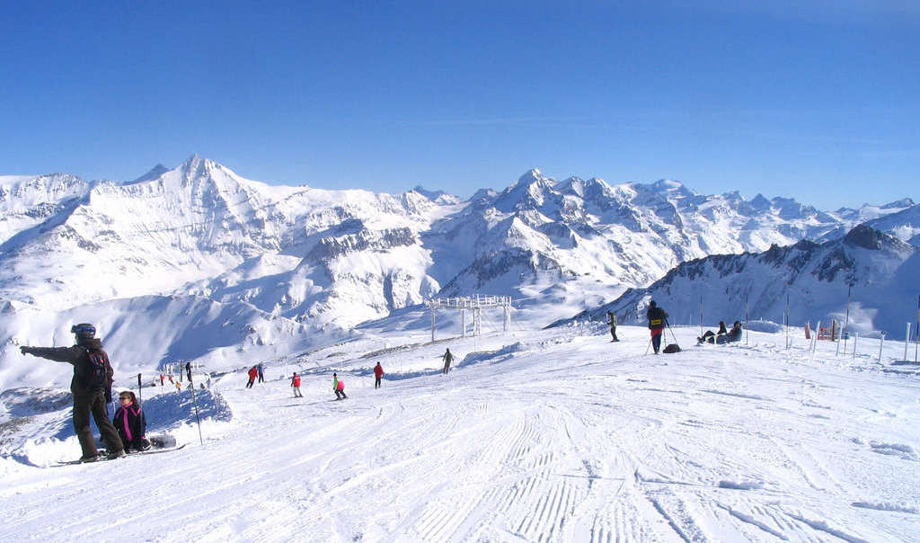 Skiing in France, a guide to ski resorts in the French Alps