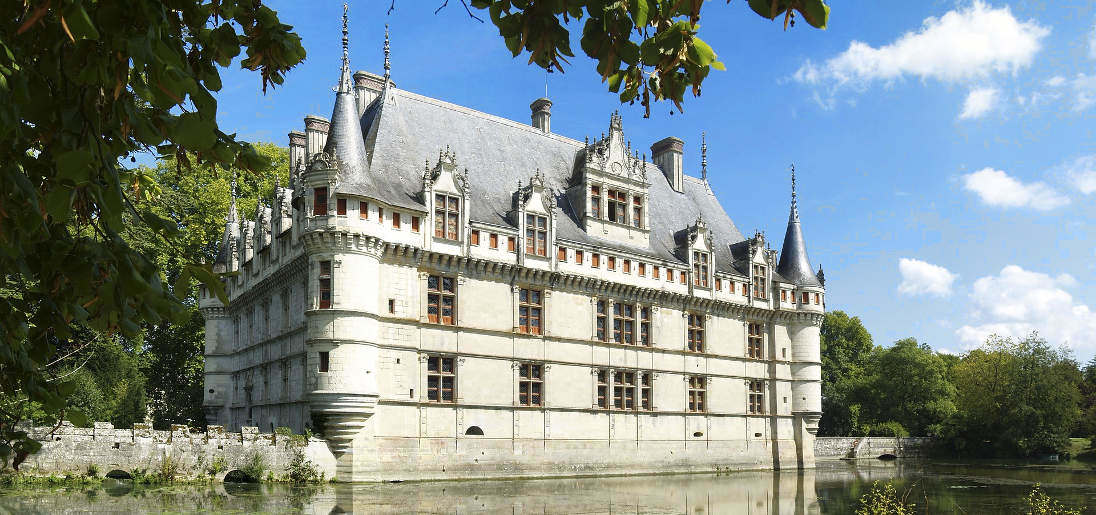The Finest Historic Chateaux In France By Area