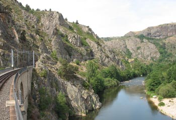 Allier gorge between Nimes & Arvant