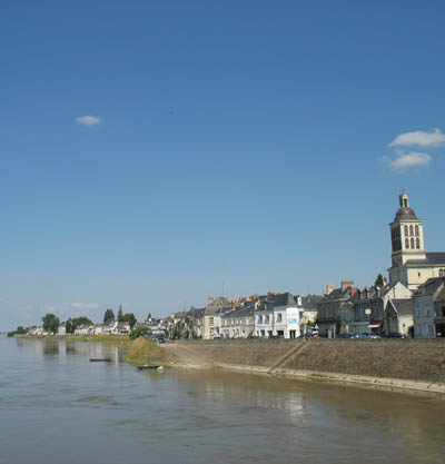 On the banks of the river Loire