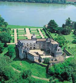 Aquitaine chateau