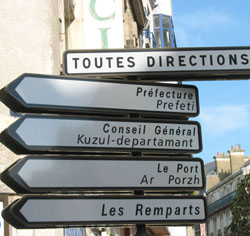 Signs in Breton