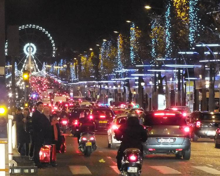 Christmas shopping and markets in Paris and France 2017