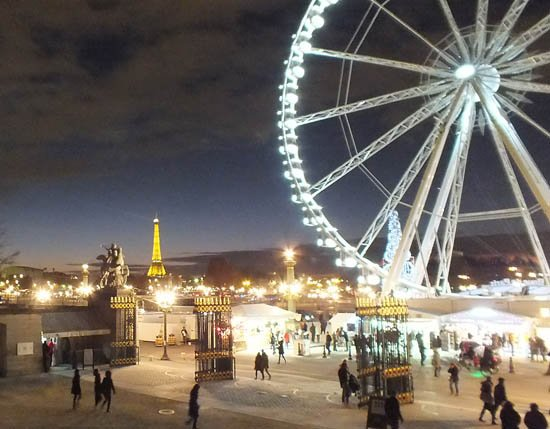 Paris An Essential Guide For Visitors