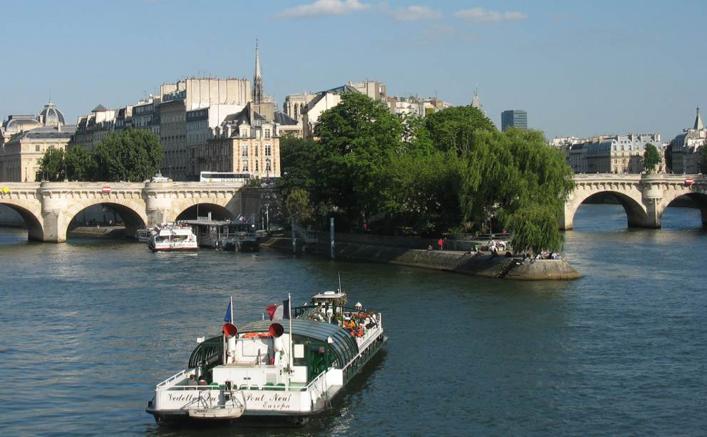 River Cruises In France Boating Holidays On French Rivers And Canals - France river cruise